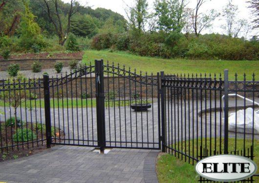 estate-gate